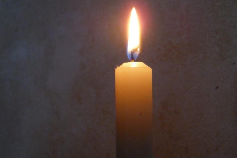 Advent Advent ein Lichtlein brennt…